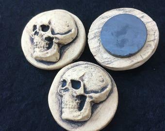 3 Skull fridge magnets, skull magnets, set of 3, free shipping, skulls, skull magnet set, refrigerator   Magnet, gothic magnets, skulls