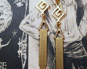 Art Deco Earrings - Flapper Jewelry 1920s - Art Deco Jewelry - Geometric Gold Earrings - 1920s Gatsby Jewelry - Womens Jewelry