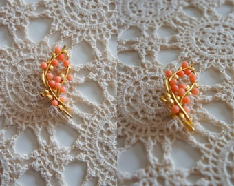Vintage Gold and Coral style beads brooch.
