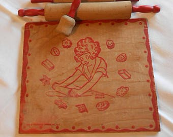 Rare LITTLE ORPHAN ANNIE Play Pastry Making Set 4 pcs Dough Board 2 Rolling Pins Stamper Red Handles, 1930's Children's Toy Harold Gray sig