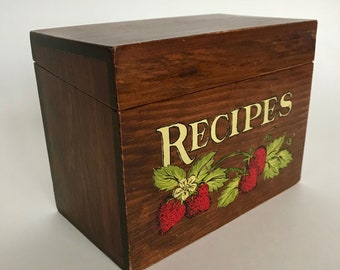 Vintage handcrafted solid wood recipe box strawberry stenciled painted excellent condition