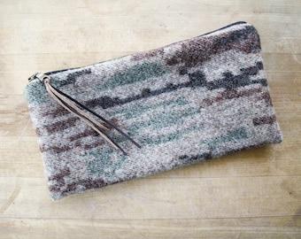 Wool Wallet / Zipper Pouch in Camouflage Wool / Camo Pouch /  Camo Wallet / Camo Coinpurse / Camo Pouch by True Having