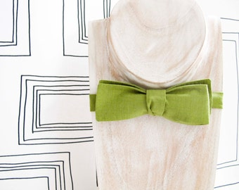 Slim batwing Matcha green / green tea cotton bow tie