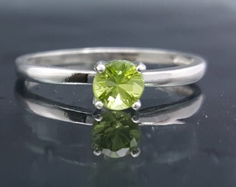 Peridot Engagement Ring Silver Size 5 6 7 8 9 Green Sterling Jewelry Solitaire Promise Anniversary August Birthstone Gift Wedding Bride R112