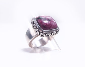 925 Silver ring and rubellite