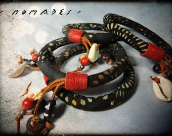 SOLD - nomadic - red leather (purple), fabric bracelet with black and Brown - dominant beads wood and seeds