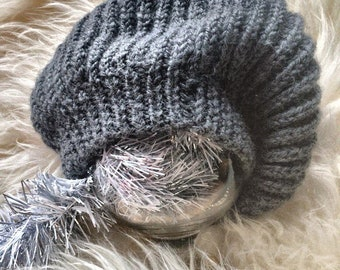 Fashionable beret of wool.