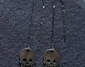 Dangling Skull Earrings - Skull Earrings - Thread Skull Earrings - Thread Earrings - Silver Skull Earrings -Gothic Skull Earrings - Threader