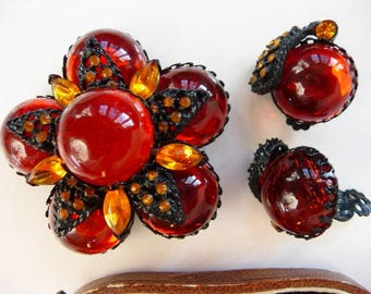 Selini japanned brooch pin clip earrings | vintage unsigned set | burnt orange floral flower black leaves | 1950s 60s