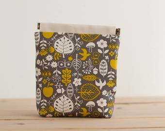 Charger case, Cosmetic pouch, Ditty bag, Make-up Case, Travel pouch, gadget case / Scandinavian