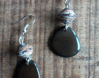 1402 - earrings Brown tagua or vegetable ivory, and handcrafted paper beads
