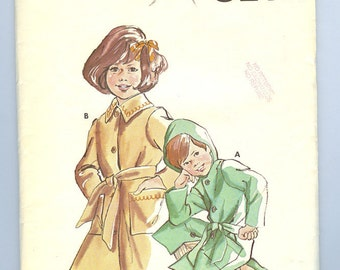 Vintage Childs Jacket UNCUT 70s sewing pattern boys or girls size 2 4 or 6 Kwik Sew 642