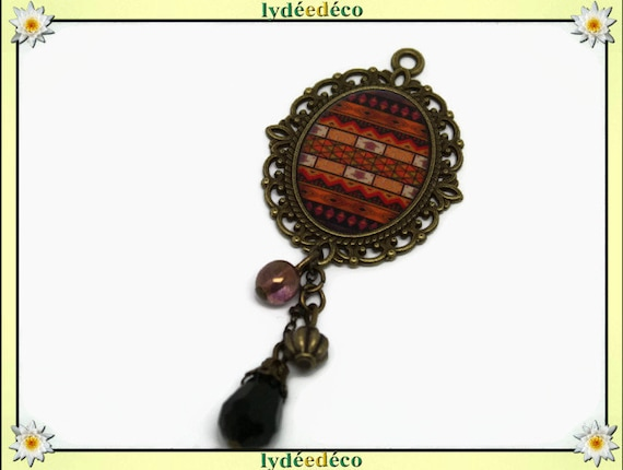 Brooch retro resin Africa charm Brown Tan Black Medallion brass bronze tone 18 x 25mm