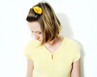 Vintage Handmade Yellow Knit Sleeveless Keyhole Blouse