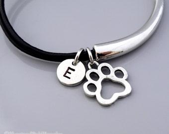 Dog Paw Print bangle, Paw bracelet, Dog paw bracelet, Dog paw charm jewelry, Leather bracelet, Leather bangle, Personalized bracelet