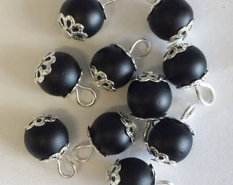 5 pendants 8mm black frosted glass beads