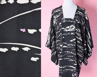Vintage Kimono Top // Boho Chic, 70s, Black and White Print, Women, One Size Fits All