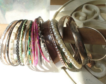 SALE, Bangle Lot of 20, Bangles, Bulk Bracelets, Jewelry Lot, Bracelets, Bangle Forms, Craft Bracelets, Bracelet Hardware, Artwear Elements