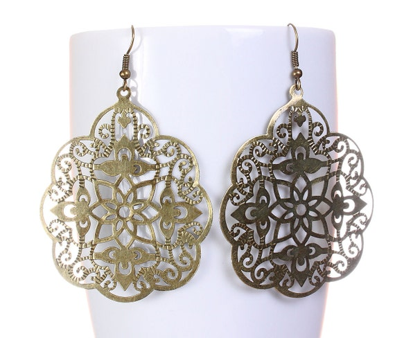 Large antique brass filigree drop dangle earrings (587)