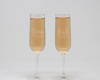 Personalized Champagne Flute, Bride & Groom Champagne Flute, Champagne Glass, Toasting Flutes, Wedding Flutes, Wedding Gift --27427-CF01-028