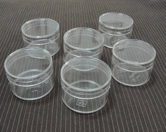 6 plastic containers