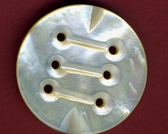 Antique Button, Pearl 6 Hole