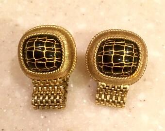 Retro cufflinks, black and gold, very chic!