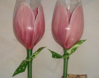 Tulip Wine Glasses, Hand Painted Pink Tulip Champagne Flutes, Bridesmaid Wine Glasses, Breast Cancer Awareness, Pink Tulips, Hand Painted
