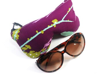 Curves Aviary 2 Sparrows Lilac Eyeglass Case, Sunglasses Pouch, Sunglasses Case, Zippered Eye Pouch