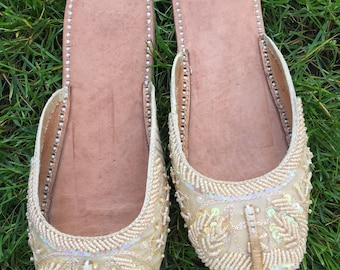 1990's indian beaded sandals size 4/5