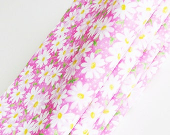 Pink Daisies Cotton Napkins / Set of 4 / Pink, White, Green - Spring & Summer Eco-Friendly Feminine Table Decor / Unique Gift Under 50
