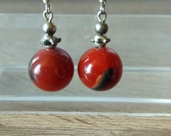 Vintage Earrings Red Carnelian Agate Round Beads Handmade Silver Plated Leverback