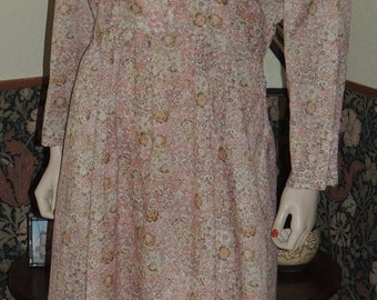 1940s Pink Floral and Lace Dress Near Mint Size M to L WorldWide Buyers welcome