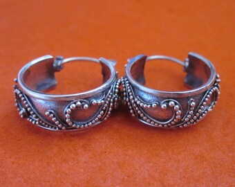 Awesome Balinese Sterling Silver Hoop Earrings / silver 925 / Bali Handmade Jewelry / (#309K)