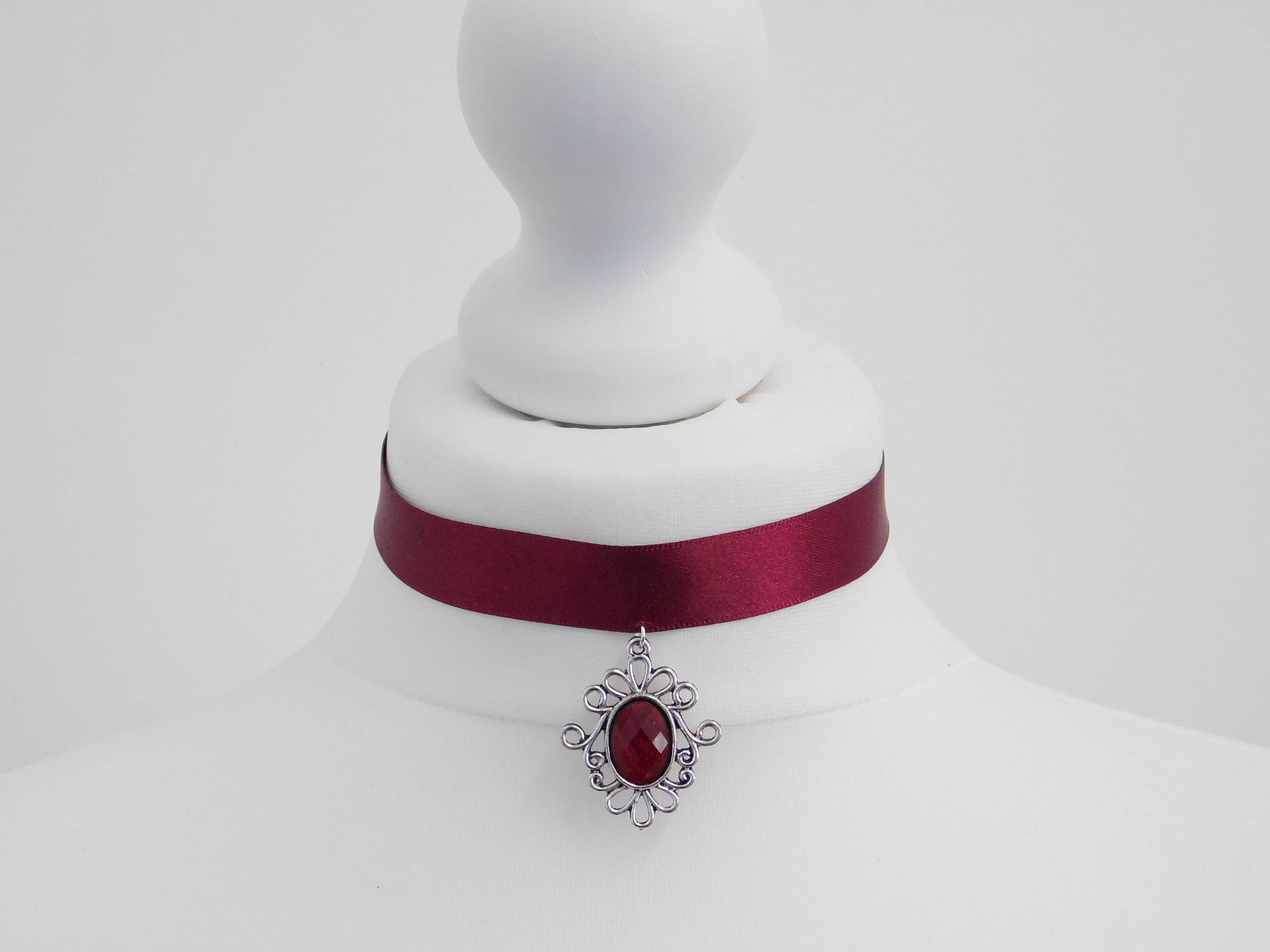 cord melty fullsizerender of red laurie with jewels products pendant placewares rosenwald white necklace copy blue