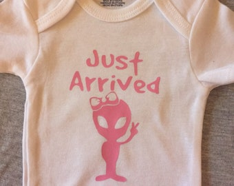 Newborn Gift Infant bodysuit humerous baby shower gift Just arrived Baby girl Gift