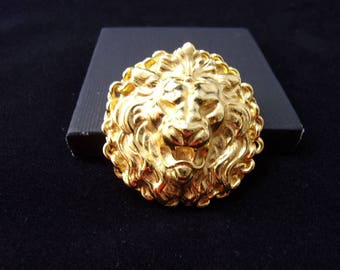 Vintage gold Lion's Head brooch / pin