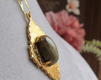 Autumn Jasper 14x10mm Oval Cabochon in Gold Plated Art Deco Pendant with Chain