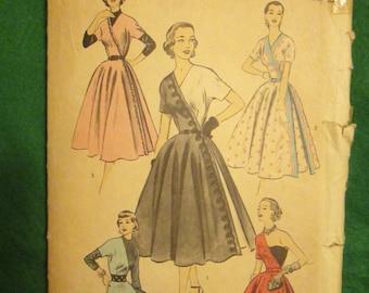 1950's Ladies ADVANCE Dress Pattern With Circular Skirt