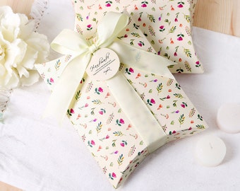 2 floral printed pillow boxes, small boxes, flat boxes, favor boxes, wedding favor boxes, favour boxes, pillow box, jewelry gift box