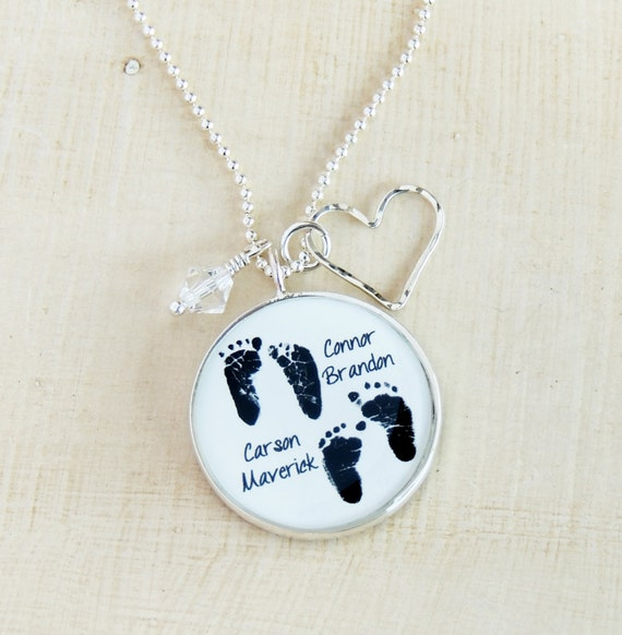necklace product with footprint jumbo birthstone mynamenecklace engraved