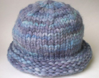 PATTERN easy hat to knit from unspun wool top roving