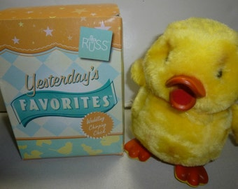 Russ Berrie Yesterday's Favorites Wobbles Waddling Chirping Chick Vintage Toy, 1970s