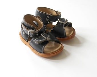 French Vintage 70's / baby sandal shoes / navy blue leather / New old stock / size EU 18 / US 2,5/ UK 2