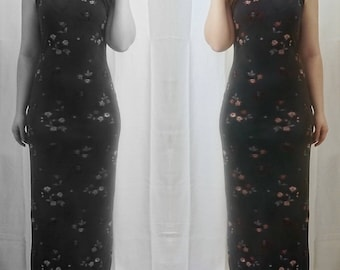 Gray Floor-Length Dress with Floral Detailing and a Straight Neckline