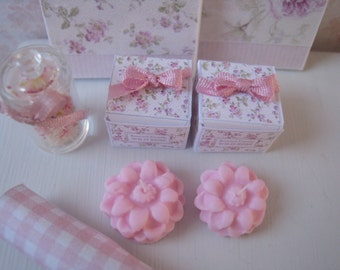 Dollhouse Candle and Gift Box.