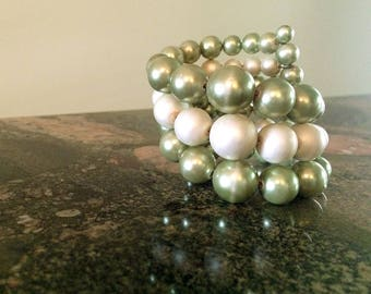 Vintage 1950s Green Faux Pearl Bracelet 50s Cuff Spring Wire Three Strand Graduated Pearl Cute Rockabilly Bombshell Pin Up Costume Jewelry