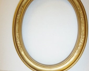 Vintage Gold Oval Picture Frame with Glass and Backing Set of 2 Cottage Shabby Chic Victorian Style Home Decor Wedding Event Decor