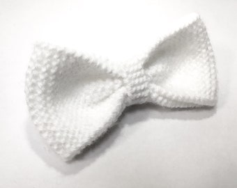 White knit bow