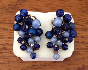 Vintage 1950s Mid Century Cresent Shaped Clip On Earrings / Shades of Blue Beads / Made to Curve Around Ear Lobes